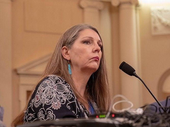 Jen Longdon delivers speech to congress